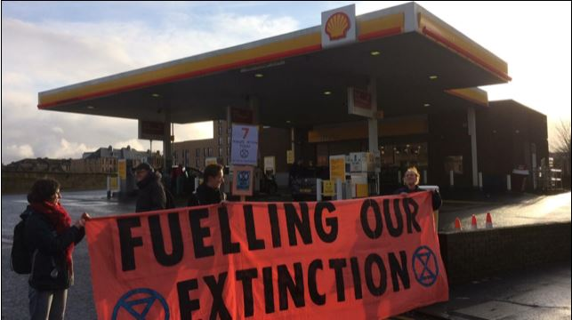 Fuelling our extinction: Protesters in Glasgow.