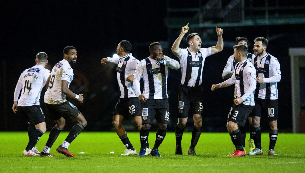 St Mirren players celebrate their penalty shoot-out victory over Motherwell.