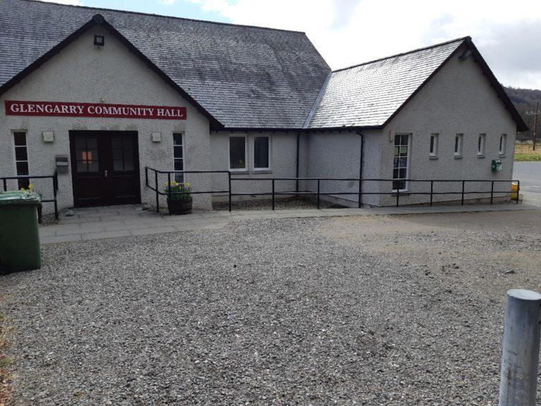 Glengarry Hall: Defibrillator is missing.