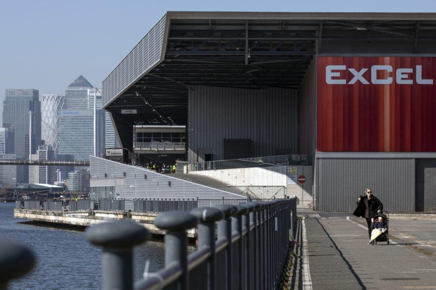 Covid-19: London's ExCel Centre becomes field hospital.