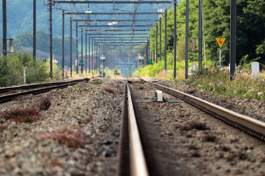 Railway works: Calls for jobs to resume.