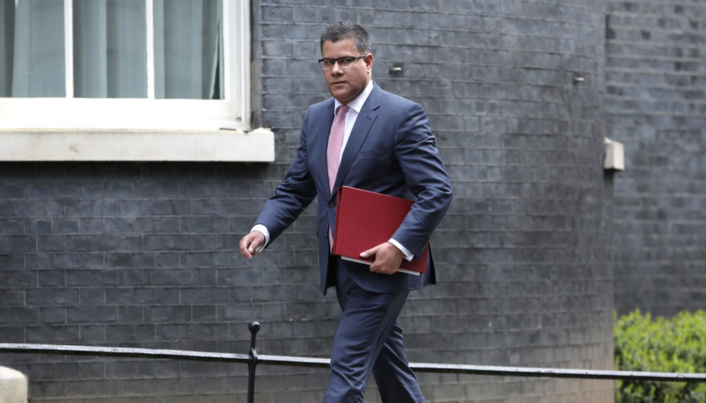 Alok Sharma: Calls for leaders to honour the 2015 Paris Agreement.