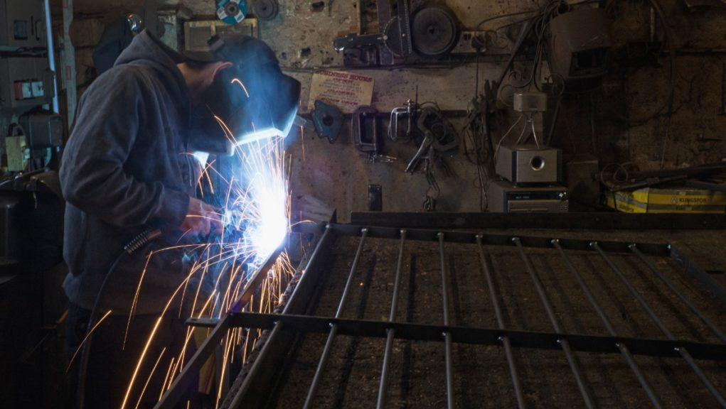 Apprenticeships could assist economic recovery.