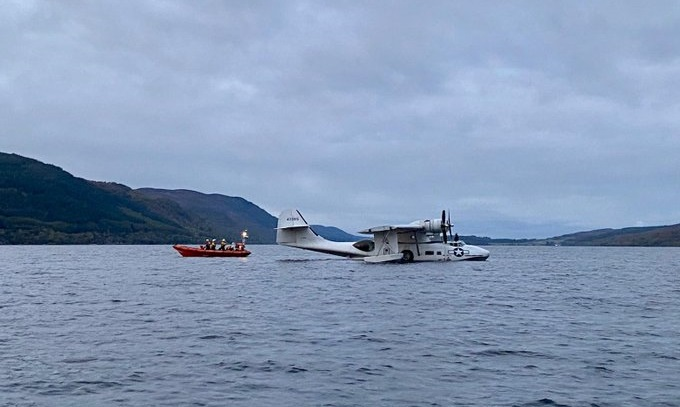Loch Ness: Lifeboat towed plane to safety.