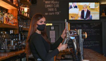 pubs coronavirus sturgeon