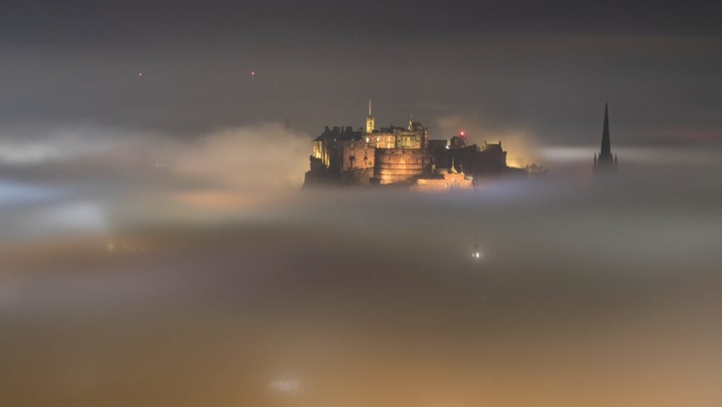 Adam Bulley captured thus stunning picture from his house in Edinburgh.