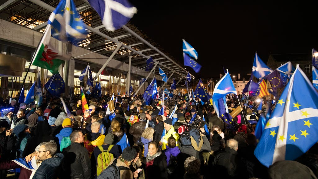 The poll is the first since June to show no lead for independence.