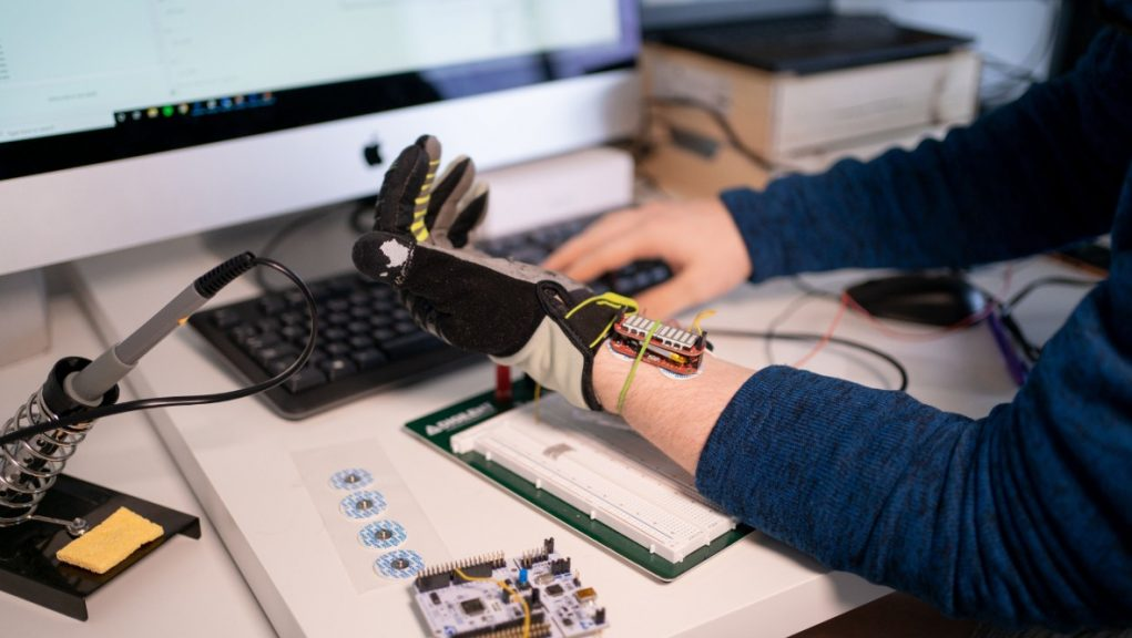 Prototype: Robotic glove could help boost muscle grip.