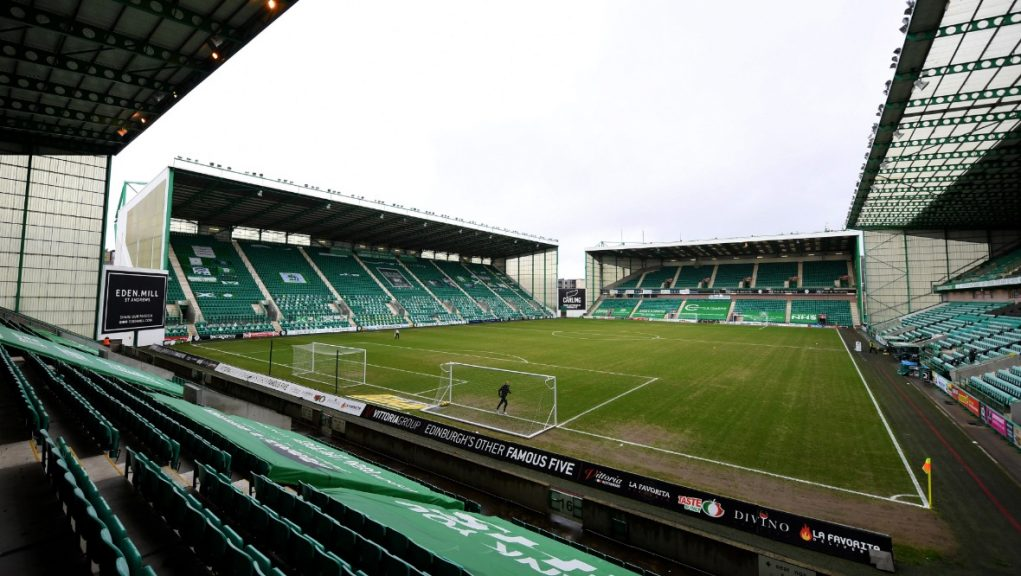 Hibs have snapped up the USA international under freedom of contract.