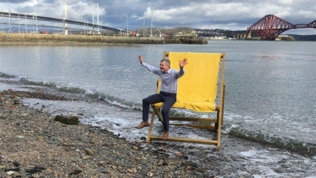 Scottish Liberal Democrat leader Willie Rennie gets his campaign up and running.