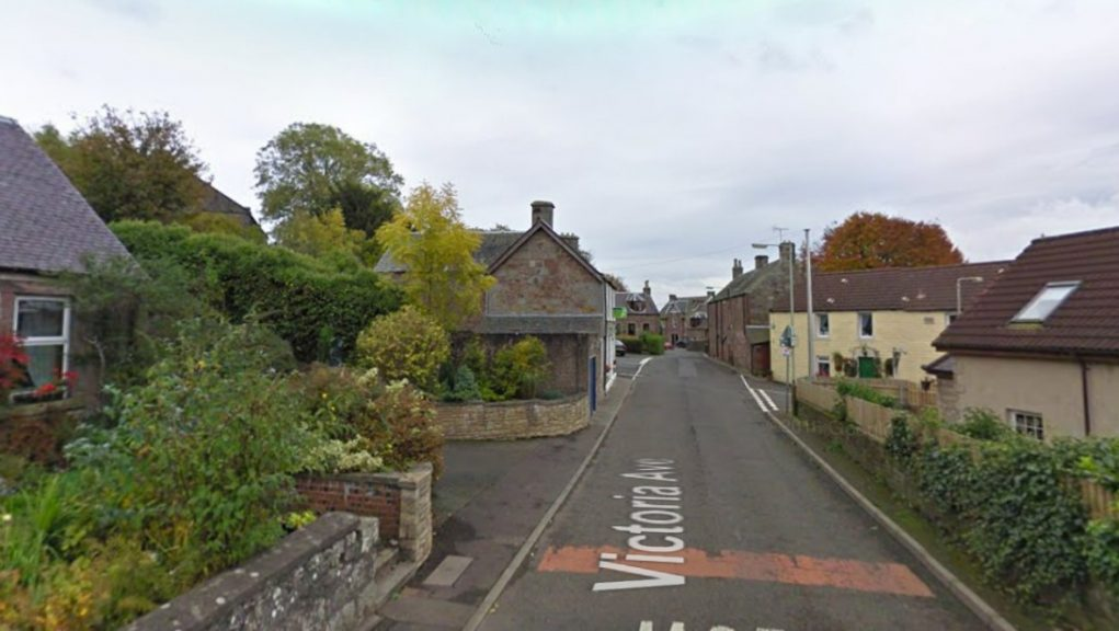 Milnathort: Officers were called to Victoria Avenue on Friday evening.