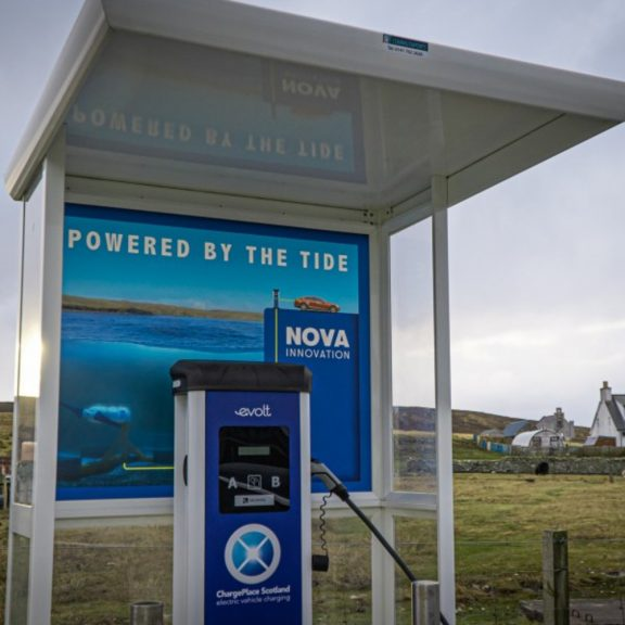 A tidal-powered electric vehicle charge point has been launched in Shetland.