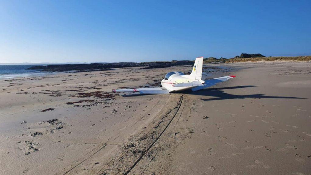 Emergency landing: The pilot emerged uninjured.