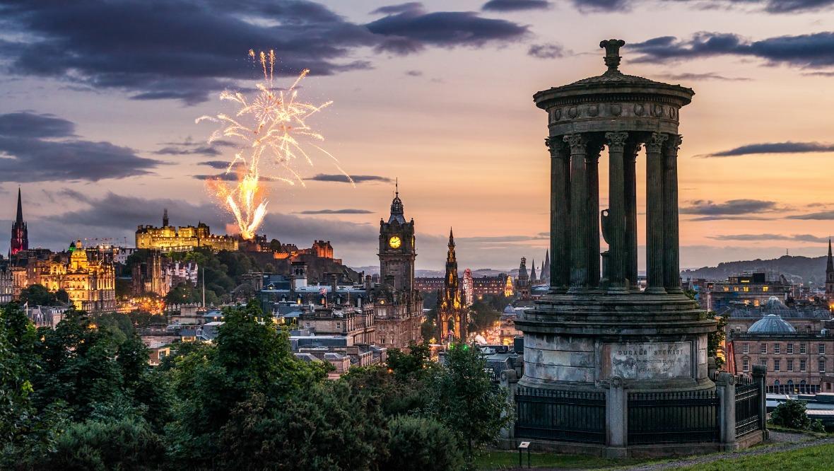Edinburgh fireworks at du.sk from Calton Hill