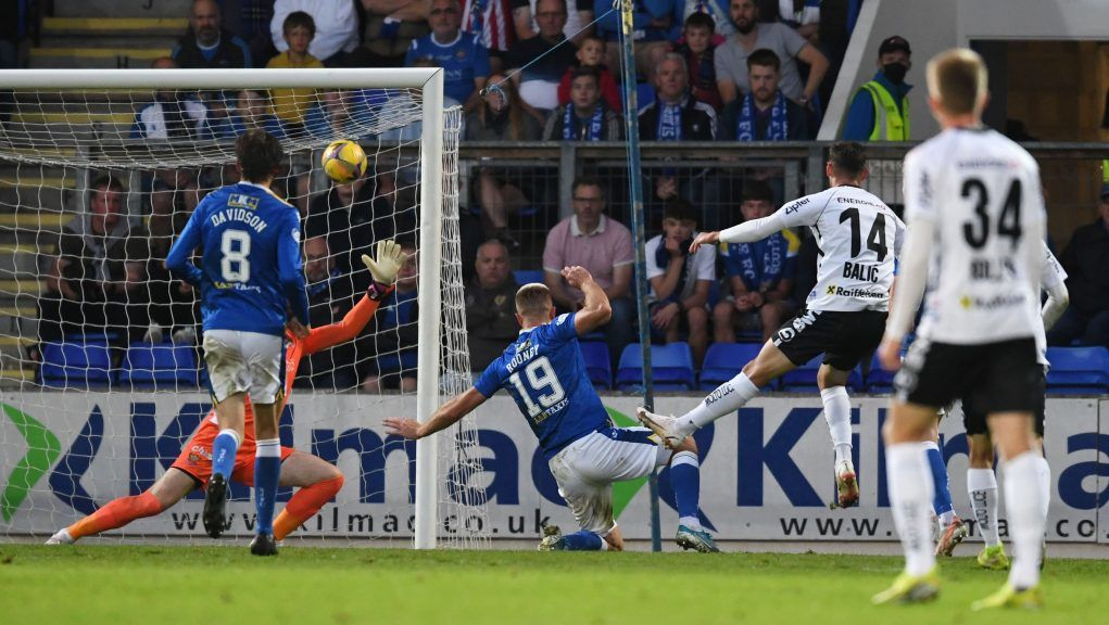 LASK took their chances to land a 3-1 aggregate win.