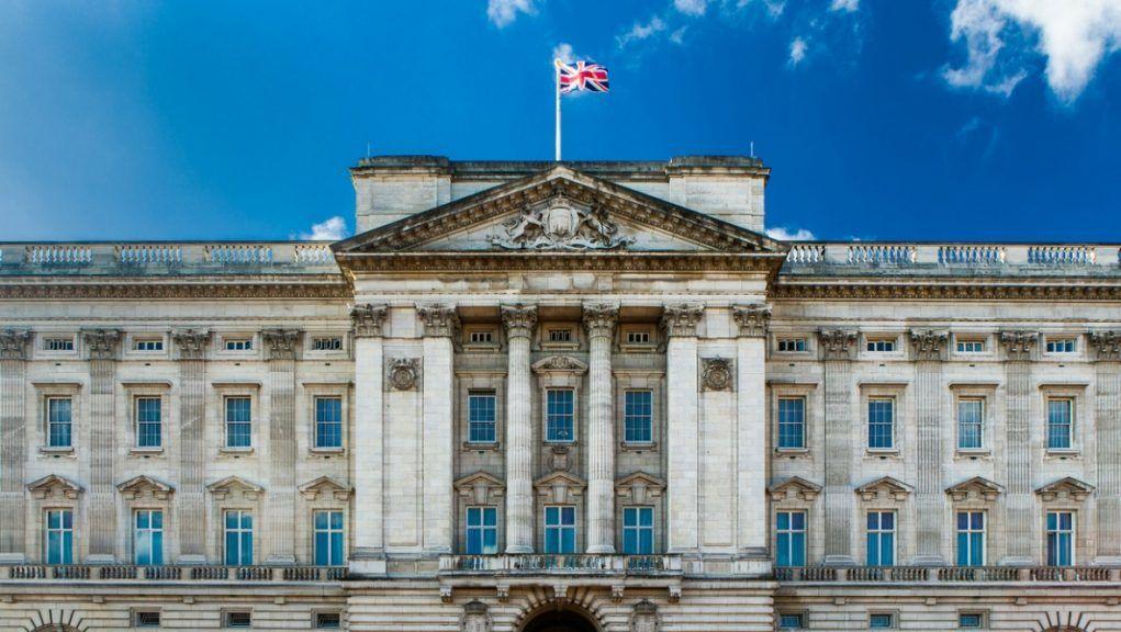 Buckingham Palace: Alba to push for republic.