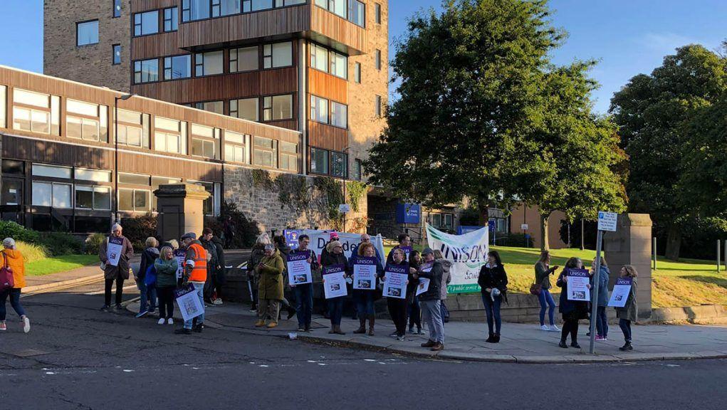 Dundee of University staff taking strike action.